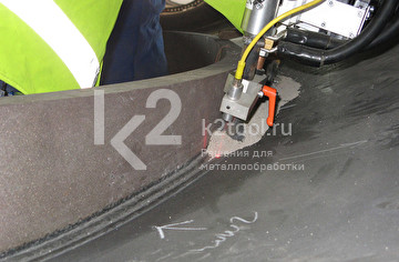 Процесс резки пятиосевой мобильной машины для вырезки отверстий и вварки горловин в обечайки Promotech MCM 1000/4000