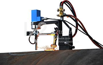 Портативные машины серии MAK для вырезки отверстий в крышках и днищах сосудов