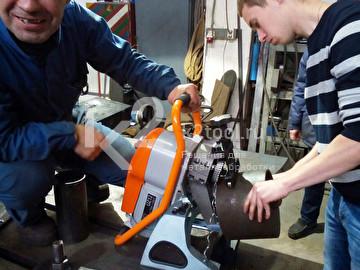 Обработка трубы автоматическим фаскоснимателем UZ-12