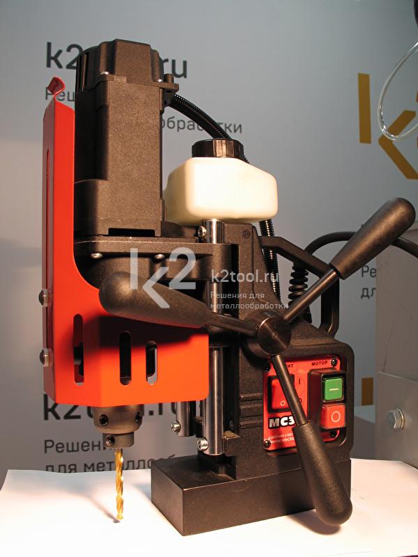Магнитный сверлильный станок MC-36 со спиральным сверлом Karnasch