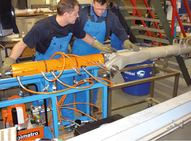 Домкраты с полым плунжером, пружинный возврат от 30 тонн (HHJ)