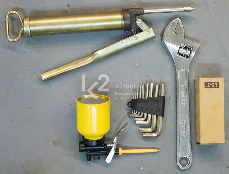 Электромеханический вальцовочный станок Stalex ESR-2500x0.8. Набор инструментов