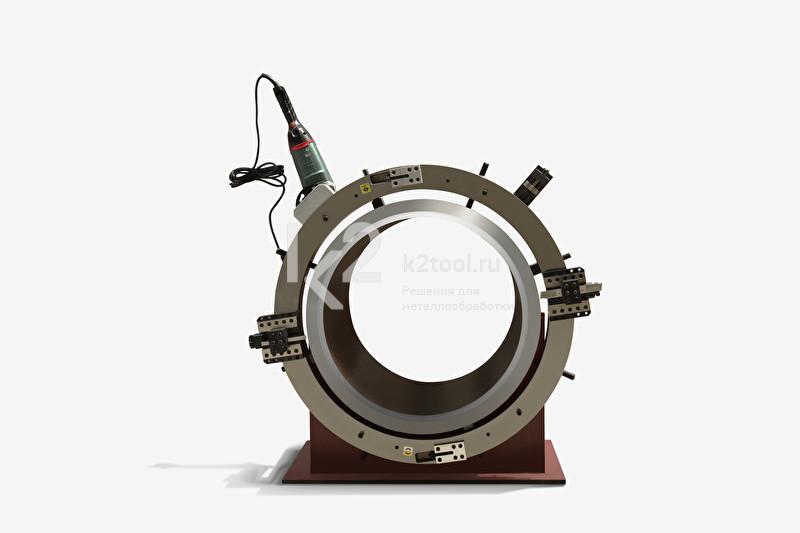 Разъёмный труборез и фаскосниматель TVS-1230, смонтированный на трубе
