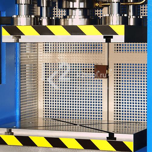 Гидравлический пресс с П-образной станиной  RHTC RM-80