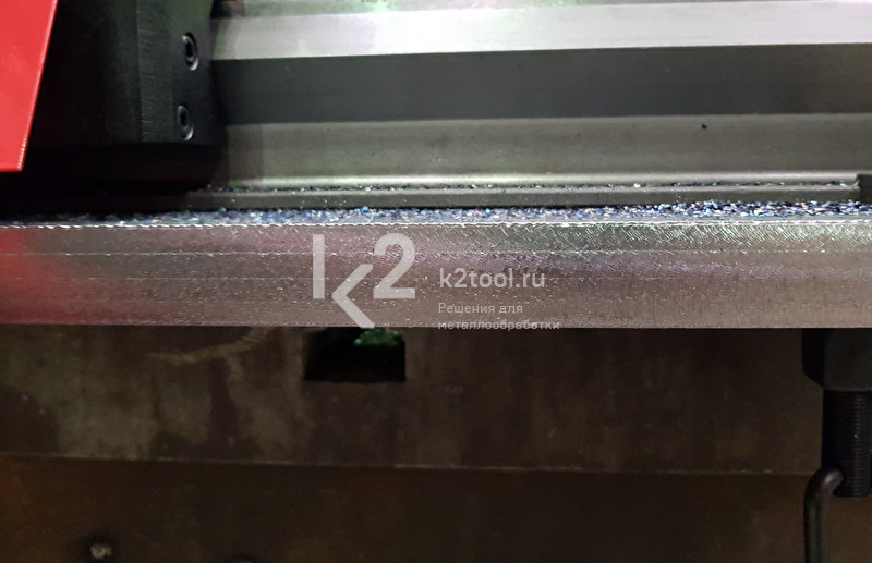 Обработка кромки, выполненная автоматическим кромкорезом АВМ-28 (ABM-28)