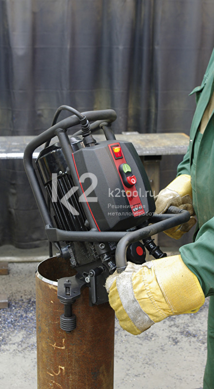 Машина для снятия фаски ВМ-21 в работе