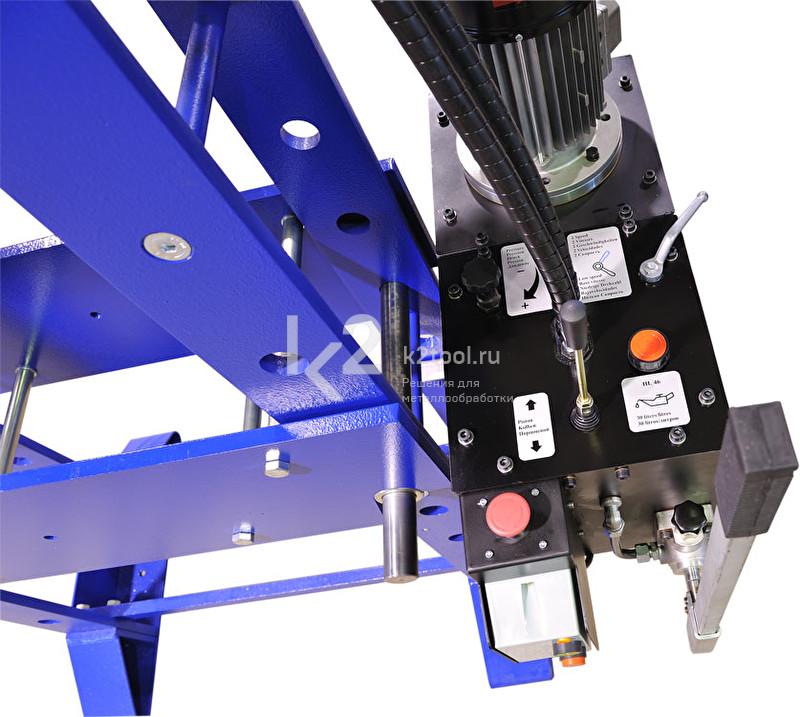 Гидравлический пресс RHTC 300 TON M/H-M/C-2 (D=1750) - приборная панель