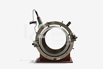 Разъёмный труборез и фаскосниматель TVS-457, смонтированный на трубе