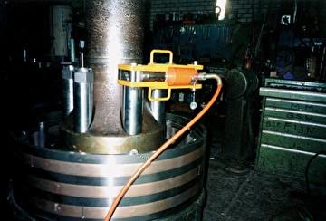 Домкраты с возвратом под силой тяжести от 200 тонн (HJ)