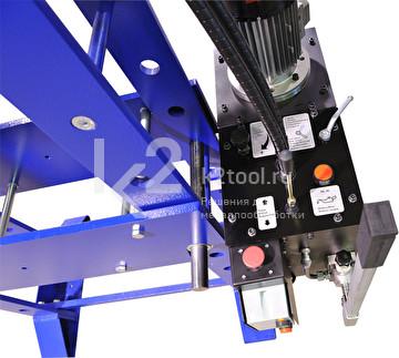 Гидравлический пресс 100 TON M/H-M/C-2 (D=1500) - приборная панель